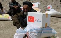 تيكا التركية تقدم سلات رمضانية لأف و500 أسرة أفغانية