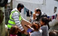 """""""تيكا"""" التركية توزع 3500 طرد مساعدات على محتاجين في شمال مقدونيا"""