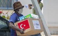 """مساعدات """"تيكا"""" التركية في تونس تشمل عمال دول إفريقية"""