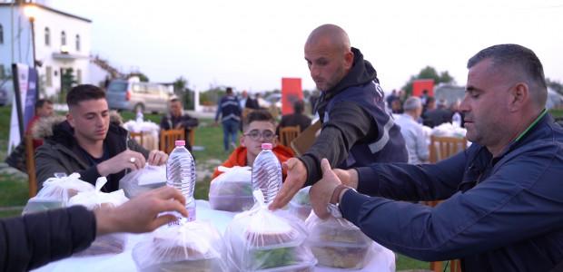 Erenler Sofrası Arnavutluk'ta İhtiyaç Sahipleri İçin Kuruldu  - 2