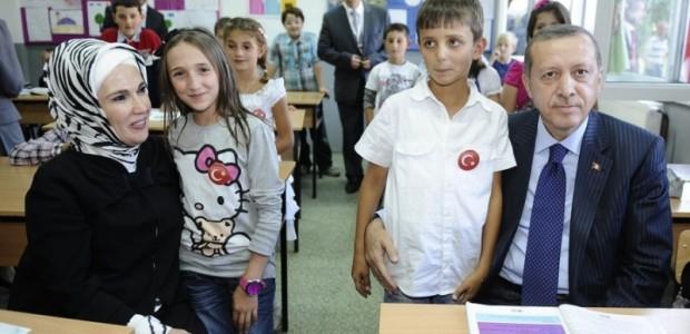 Başbakan Erdoğan Makedonya'da Donanımı TİKA Tarafından Tamamlanan Türk Okulunun Açılışını Yaptı  - 5