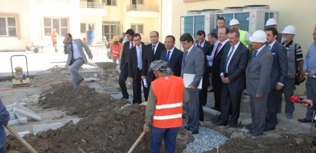 Başbakan Yardımcısı Bekir Bozdağ'dan TİKA'nın Kabil'de Yaptırdığı Sürekli Eğitim Merkezine Ziyaret  - 9