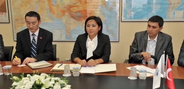 Kırgız Parlamentosu Bürokrat Heyeti TİKA'da  - 2