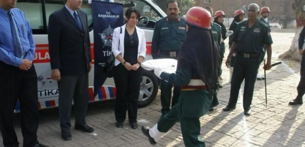 TİKA Pakistan'da Hayat Kurtarıyor  - 3