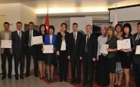 Eğitimlerini Tamamlayan Kazak Doktorlar Sertifikalarını Aldı