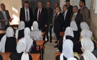 Afganistan'da Kız Lisesi'ne Malzeme Desteği