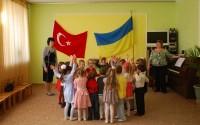 Kırım'da 3 Anaokuluna Malzeme Desteği