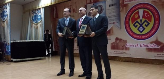 Kırgızistan'da Türk Dünyası Vatandaşlığı Çalıştayı'na Destek   - 3