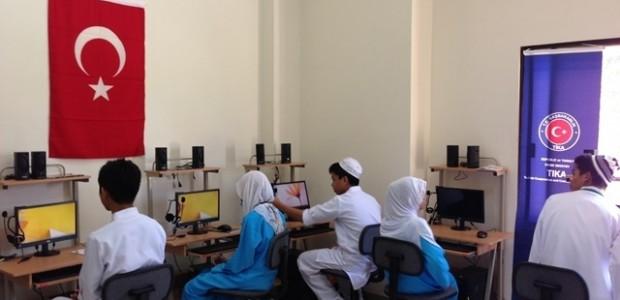 Filipinler'e Eğitim Alanında Destek Devam Ediyor  - 7