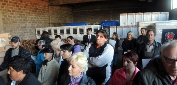 TİKA, Sırbistan'da Selden Zarar Gören 30 Ailenin Yüzünü Güldürdü  - 5