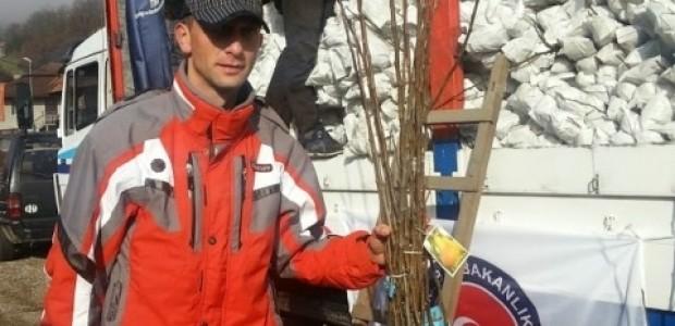 Karadağ'da Bistritsalı Çiftçilere Meyve Fidanı Dağıtımı Gerçekleştirildi  - 2
