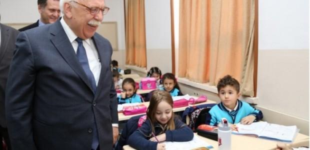 Yenilenen Bakü Türk Anadolu Lisesi Bir Milletin İki Milli Şairini Anarak Hizmete Girdi    - 5