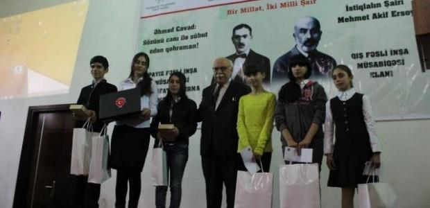 Yenilenen Bakü Türk Anadolu Lisesi Bir Milletin İki Milli Şairini Anarak Hizmete Girdi    - 2