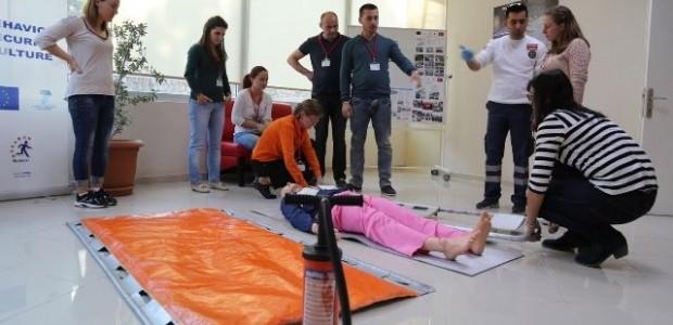 Arnavutluk Hekimlerine Acil Servis Eğitimi   - 1