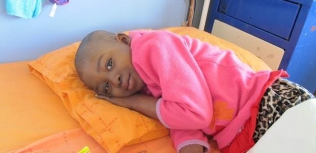Namibya'da Merkez Hastanesi Pediatrik Onkoloji Bölümü'ne Tıbbi Ekipman Desteği   - 1