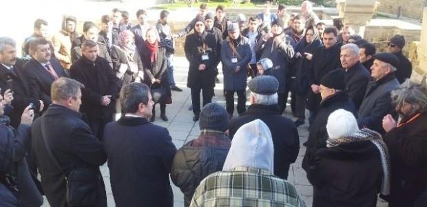 Seyyid Yahya Şirvani Azerbaycan'dan Dünyaya Doğan Güneş Konulu Sempozyum ile Bakü'de Anıldı  - 1