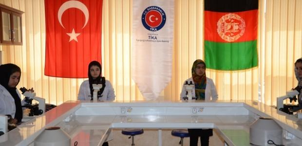 إصلاح كلية الطب في ولاية بلخ الأفغانية ودعمها بالأجهزة اللازمة - 3