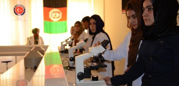 إصلاح كلية الطب في ولاية بلخ الأفغانية ودعمها بالأجهزة اللازمة - 4