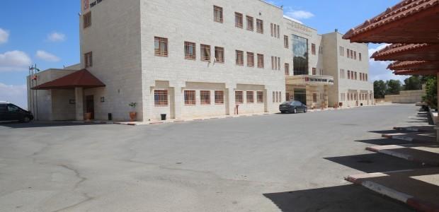 مشفى طوباس التركي بالضفة الغربية في فلسطين يقدم الرعاية الصحية لـ40 ألف شخص سنويا - 1