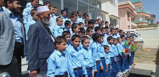 دعم ألف طفل يتيم بالمواد القرطاسية في أفغانستان - 2