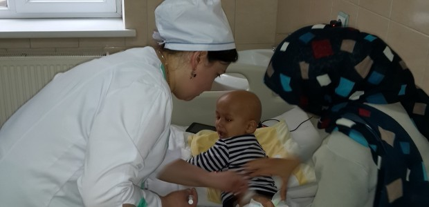 معالجة 1700 طفل في مركز علم الأورام للأطفال بطاجيكستان - 4